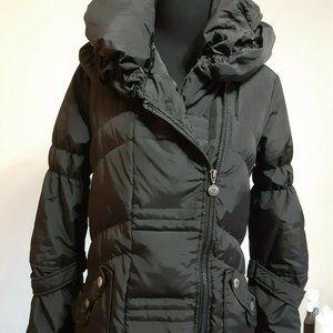 BETSY JOHNSON mid-length sporty down coat with hoo